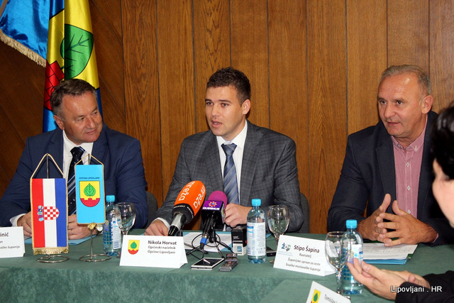 Svečanost potpisivanja sporazuma i obilazak otvorenih gradilišta na području Općine Lipovljani