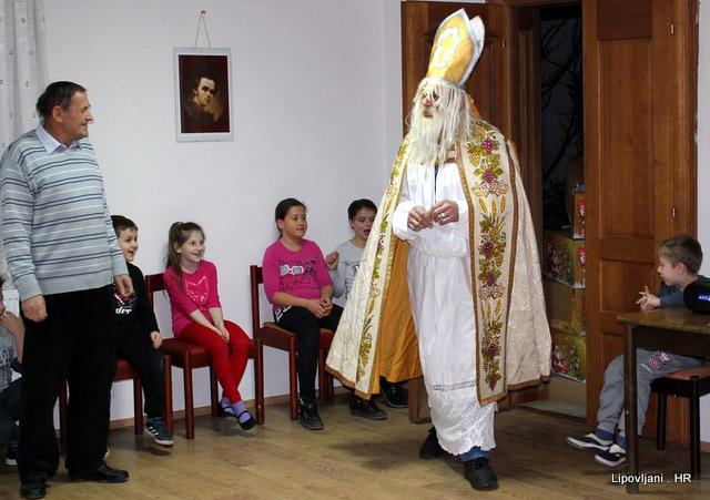 "KPD ""Karpati"" razigrano i veselo dočekali Sv.Nikolu"
