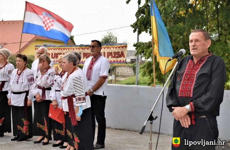 Na 'Večeri ukrajinske pjesme' gostovala društva iz Slavonskog Broda i Vukovara