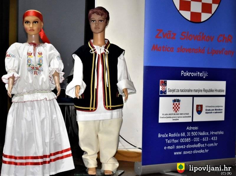 Na 'Danima slovačke kulture u Lipovljanima' poklonjena dva glazbena instrumenta mladim glazbenicima