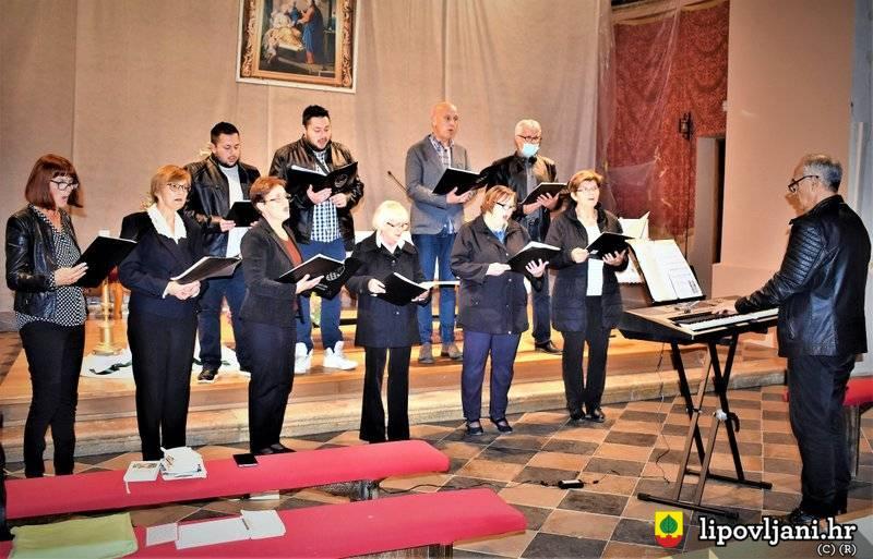 Dani slovačke kulture započeli misnim slavljem i malim koncertom zbora 'Lira'