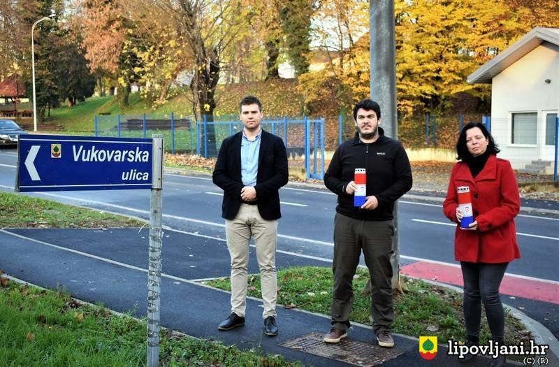 Upaljene svijeće za žrtve Domovinskog rata i žrtvu Vukovara i Škabrnje