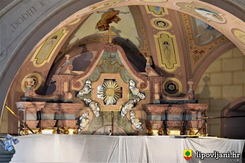 Izvršeni prvi radovi na restauraciji glavnog oltara u župnoj crkvi sv. Josipa u Lipovljanima